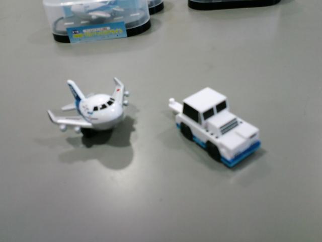 トーイングカーとテクノジャンボ