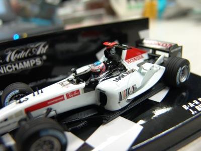 MINICHMPS製BAR Honda J.Button車