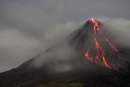ドミール火山(イメージ映像)