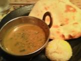 インド料理ラジャスのカレーとナン
