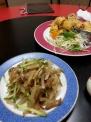 中華料理楊のザーサイと春巻き