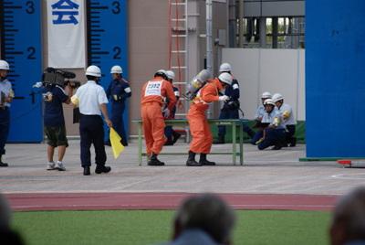 第39回全国消防救助技術大会・ほふく救出の部・空気呼吸器を着装