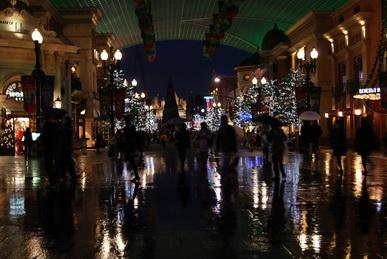 2010年雨の夜のUSJ