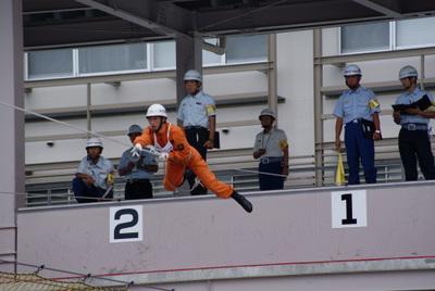 第39回全国消防救助技術大会・ロープブリッジ渡過・大分の消防士さん