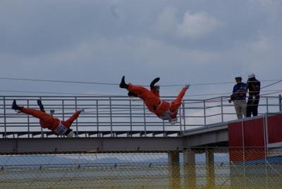 第39回全国消防救助技術大会・ロープブリッジ渡過モンキー渡過