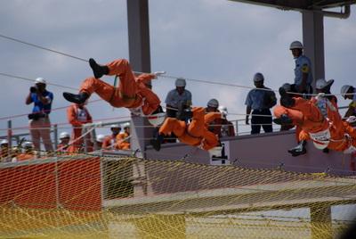 第39回全国消防救助技術大会・ロープブリッジ救出9