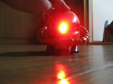 セブンイレブンフェア機動戦士ガンダムプロジェクタークロック点灯時の本体」