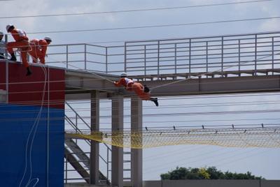 第39回全国消防救助技術大会・陸上の部・障害突破・「渡る」