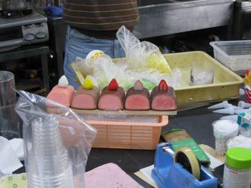 森野サンプル食品サンプル・ローストビーフといちごの製造工程