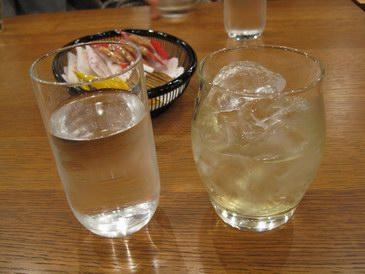 サントリー山崎蒸溜所・試飲・山崎12年と天然水