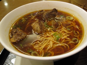 鼎泰豐の牛肉麺