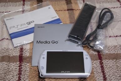 PSP go(PSP-N1000)パール・ホワイトの一式