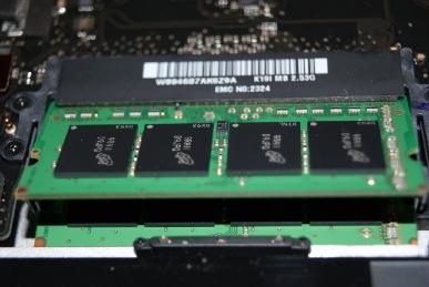 MBP15に4GBのメモリを挿す,二枚目