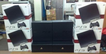 台湾の新型薄型PS3の箱と特典など