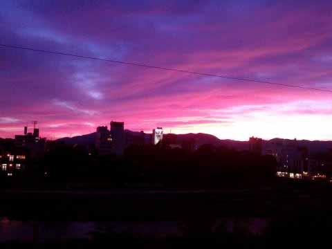 鴨川校の夕日